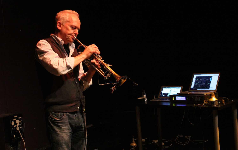 Jonathan Impett - trumpet